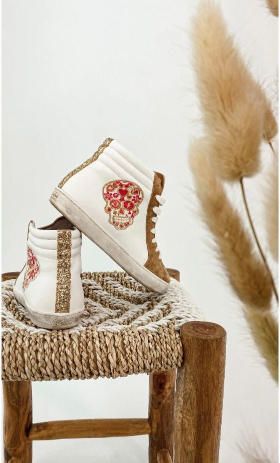 Baskets Lucy Camel Funny Skull
